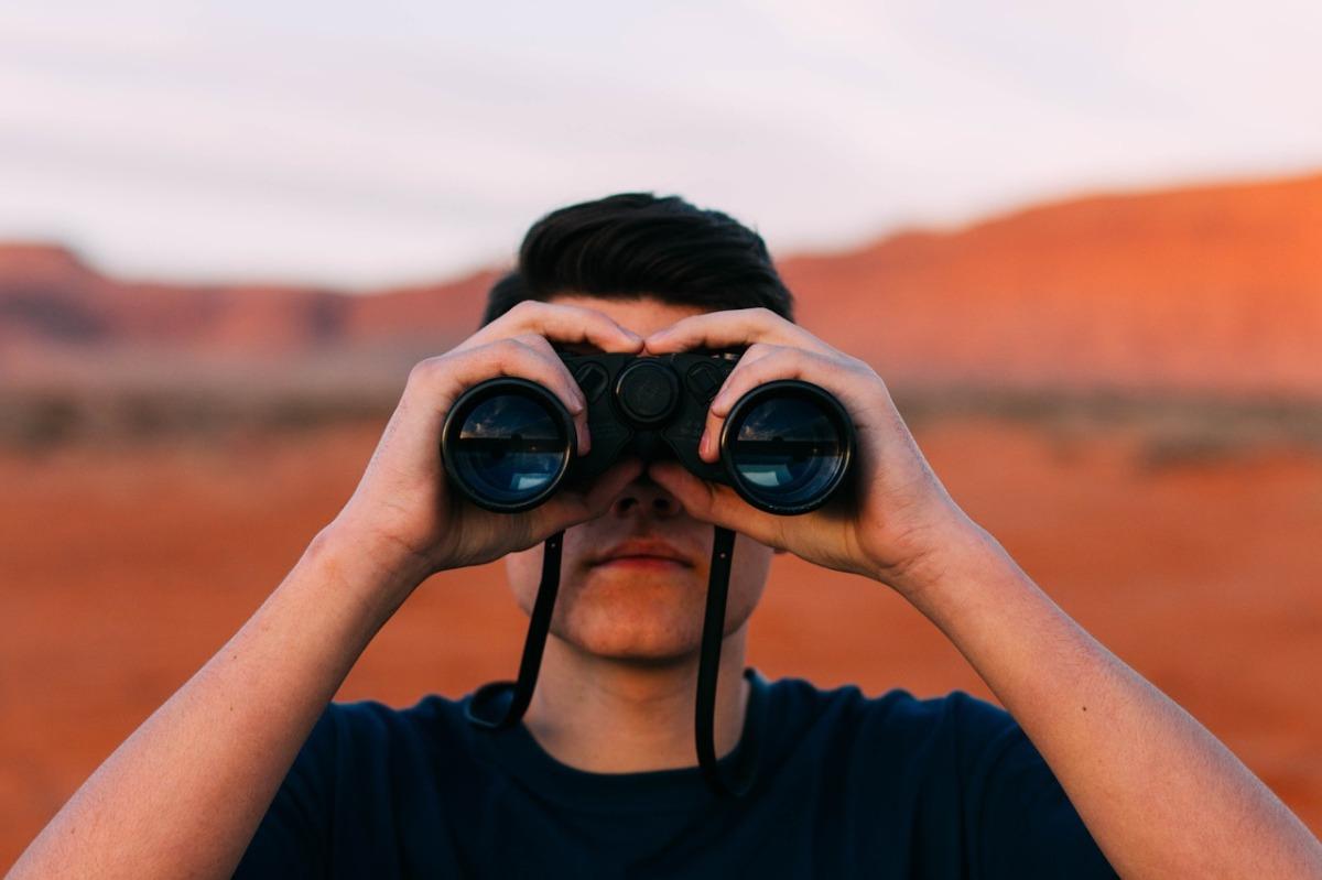 How to spot the INTJ Female… – INTJ BYTES